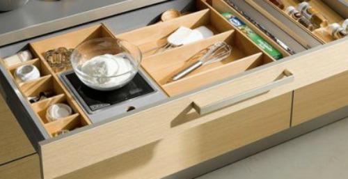 La decoraci n minimalista en la cocina cocinas artnova for Perchas blancas ikea